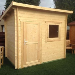 Log Cabin Aral with solid door